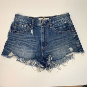 Hollister high waisted distressed shorts size 25